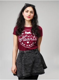 All Hearts Be Free T-Shirt tailliert burgundy